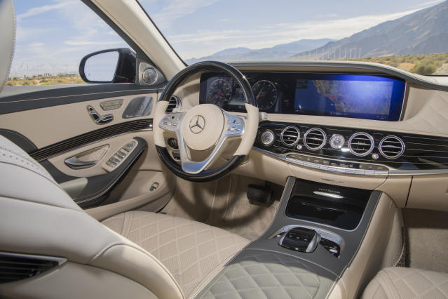 2018 Mercedes-Maybach S560 (Credit: Mercedes-Benz)