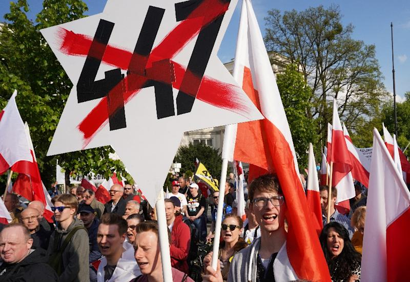Poland: Nationalists march against U.S.  law reinstating compensation for Jews