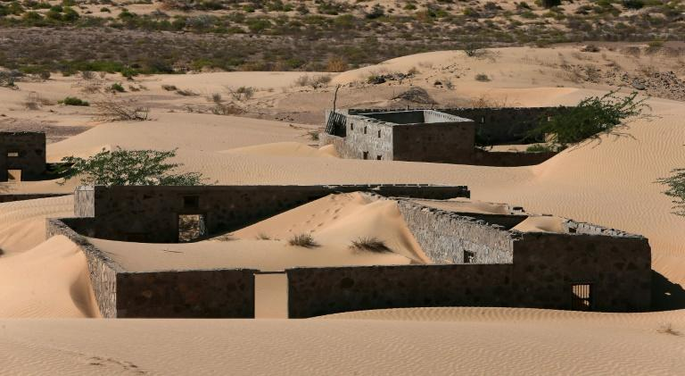 Wadi al-Murr's isolation, including from the electricity and water grids, contributed to its slide into obscurity