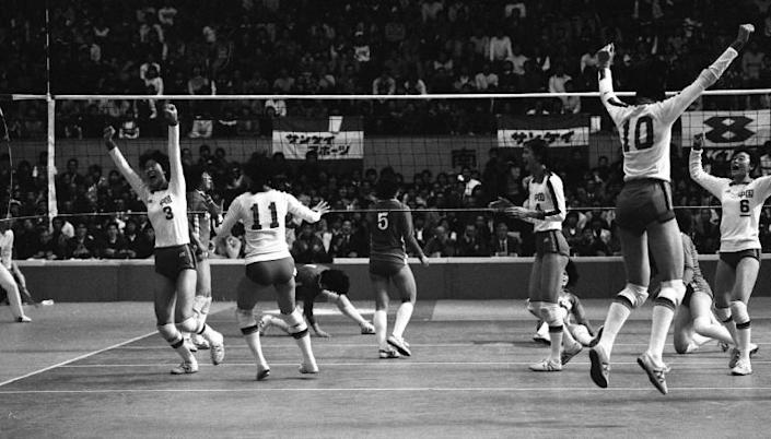 China's women's volleyball team beat Japan to win the World Cup in 1981