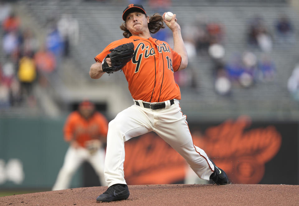 SAN FRANCISCO, CALIFORNIA - JUNE 04: Scott Kazmir #16 of the San Francisco Giants pitches against the Chicago Cubs in the top of the first inning at Oracle Park on June 04, 2021 in San Francisco, California. (Photo by Thearon W. Henderson/Getty Images)