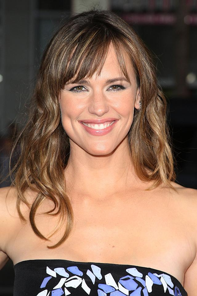 "<a href=""http://movies.yahoo.com/movie/contributor/1800338890"">Jennifer Garner</a> at the Los Angeles premiere of <a href=""http://movies.yahoo.com/movie/1810022054/info"">The Invention of Lying</a> - 09/21/2009"