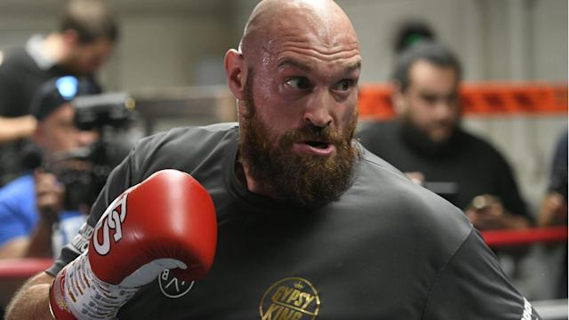 Tyson Fury works out in front of media on Oct. 25 in Los Angeles in advance of his highly anticipated WBC heavyweight world championship against undefeated champ Deontay Wilder. (Getty Images)