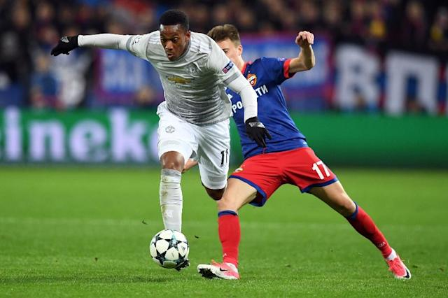 Manchester United's Anthony Martial (L) and CSKA Moscow's Aleksandr Golovin vie for the ball during their match in Moscow on September 27, 2017 (AFP Photo/Kirill KUDRYAVTSEV)