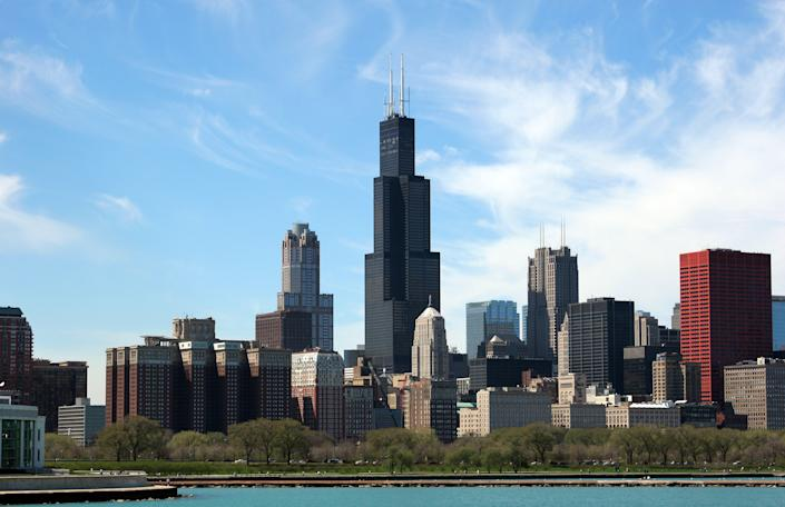 Chicago Skyline with Sears Tower and other skyscrapers as well as the Grant Park and turquoise waters of Lake Michigan. (Getty Images)