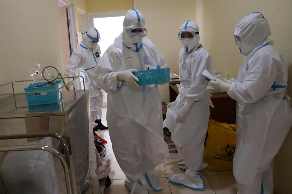 Virus Outbreak Indonesia Doctors (Copyright 2021 The Associated Press. All rights reserved.)
