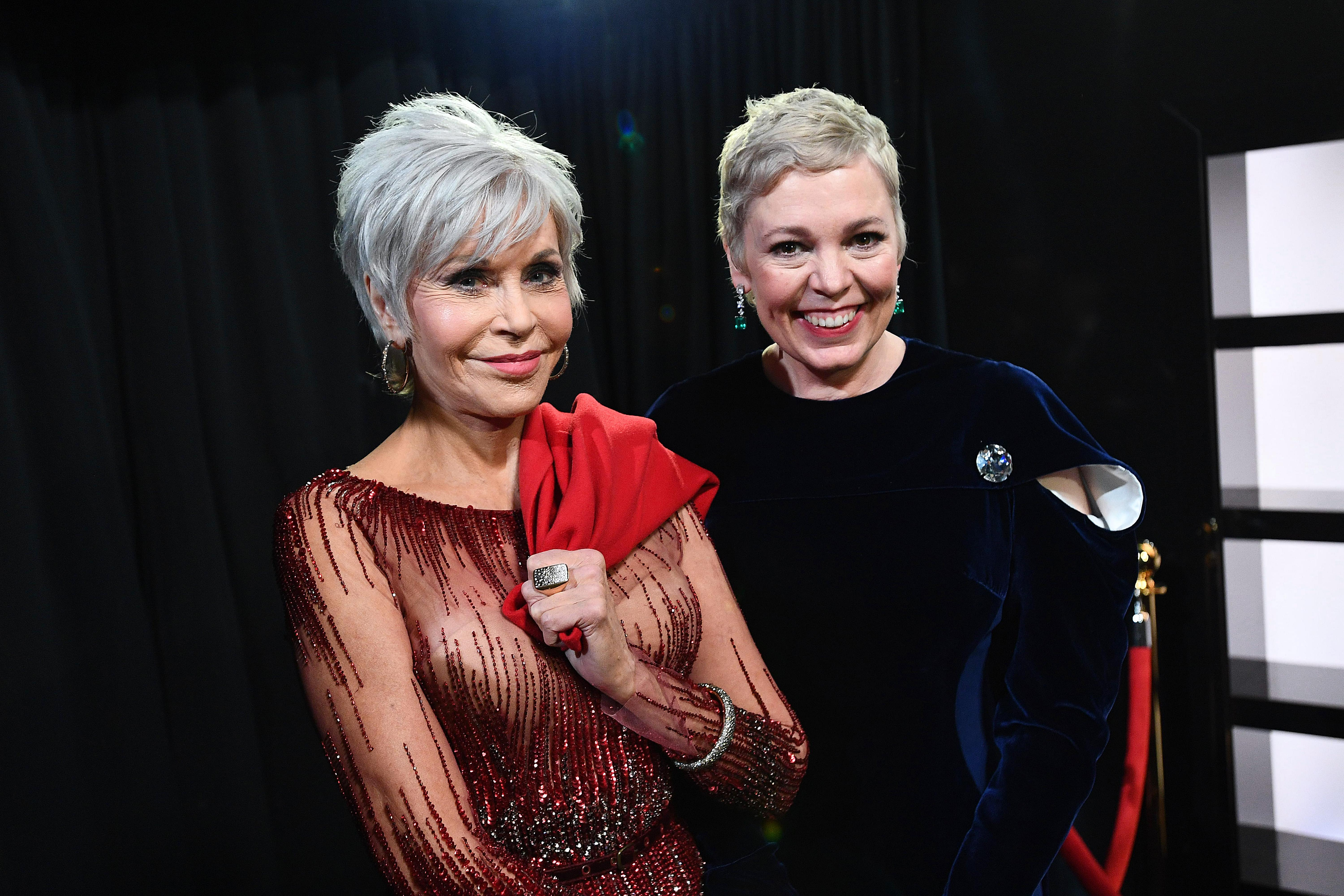 HOLLYWOOD, CALIFORNIA - FEBRUARY 09: In this handout photo provided by A.M.P.A.S. Jane Fonda and Olivia Colman stand backstage during the 92nd Annual Academy Awards at the Dolby Theatre on February 09, 2020 in Hollywood, California. (Photo by Richard Harbaugh - Handout/A.M.P.A.S. via Getty Images)