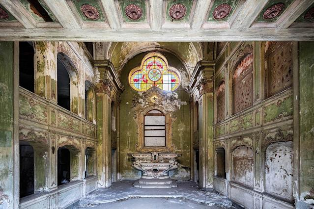 <p>Former chapel in a large Italian city. (Photo: James Kerwin/Caters News) </p>