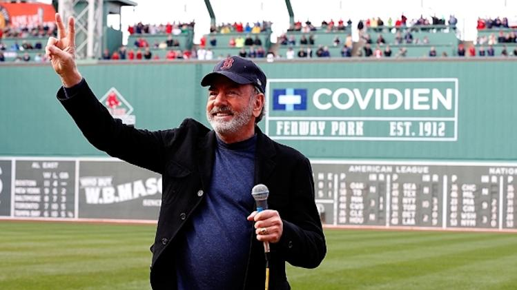 "Neil Diamond will perform ""Sweet Caroline"" at the unveiling of a high school baseball field -- Getty Images"