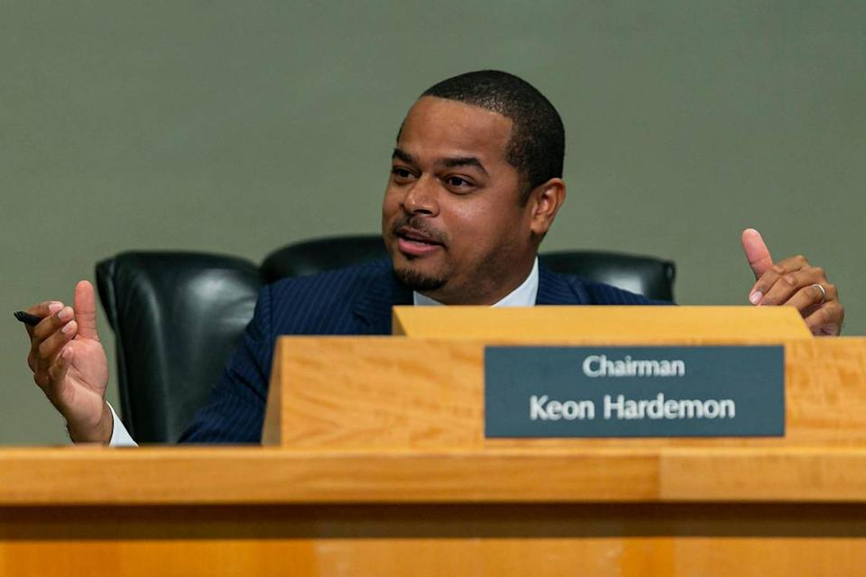 Commissioner Keon Hardemon joined a unanimous vote on Thursday, Jan. 23, to acknowledge the Miami Affordable Housing Master Plan and revisit it in greater detail on January 31.