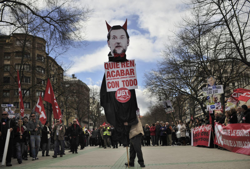 Tens of thousands in Spain anti-austerity protest