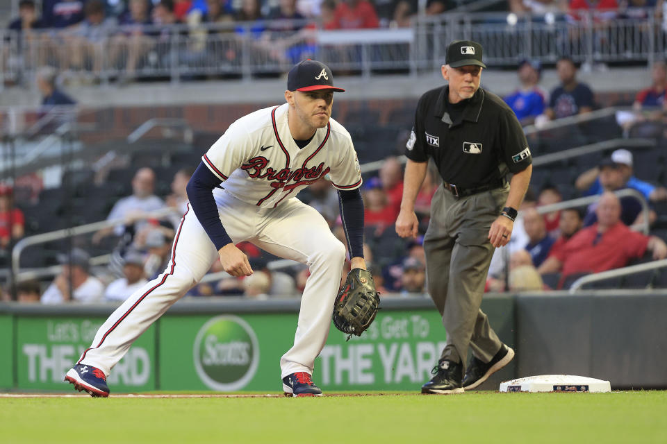 ATLANTA, GA - SEPTEMBER 07: Freddie Freeman (5) of the Atlanta Braves during the Tuesday night MLB game between the Atlanta Braves and the Washington Nationals on September 07, 2021 at Truist Park in Atlanta, Georgia.   (Photo by David J. Griffin/Icon Sportswire via Getty Images)