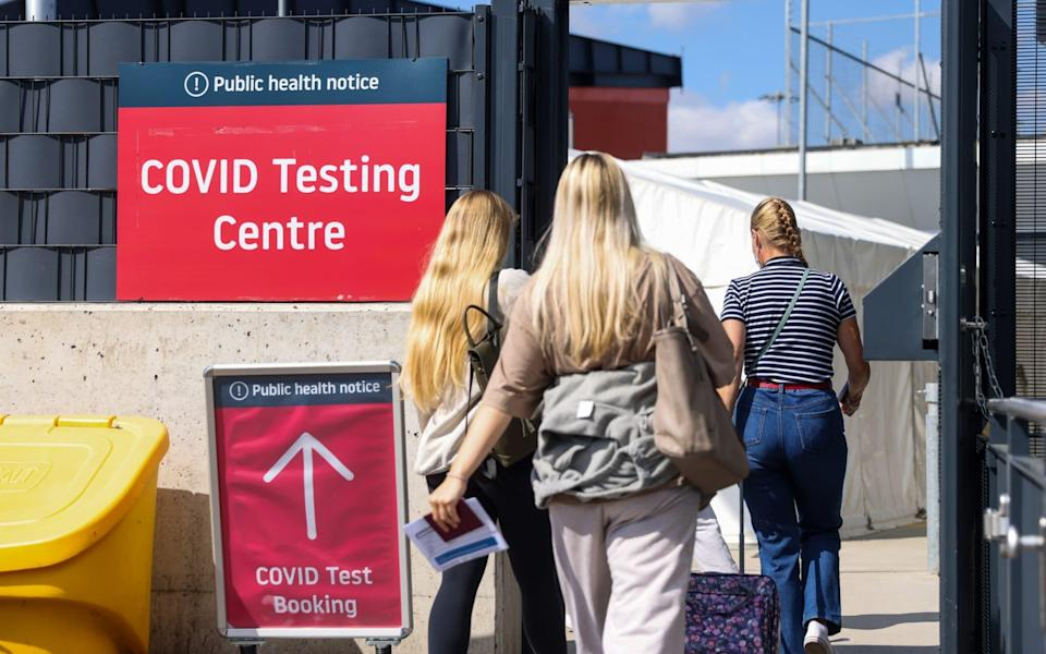 Passengers enter the Covid-19 testing centre at London Luton Airport on August 4 - Chris Ratcliffe/Bloomberg