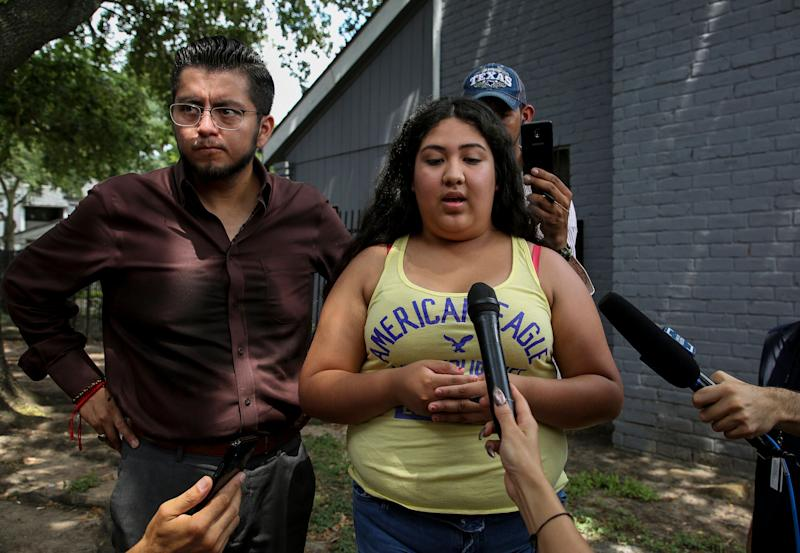 Kaylin Garcia talks to reporters about the early morning raid that was conducted by Immigration and Customs Enforcement (ICE) agents at the El Paraiso Apartments complex in Houston, Texas, Monday, July 15, 2019. (Photo: ASSOCIATED PRESS)