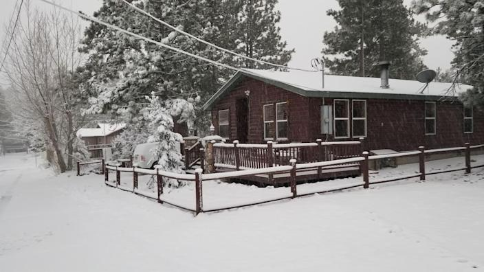 """<h2><a href=""""http://airbnb.pvxt.net/QVZvx"""" rel=""""nofollow noopener"""" target=""""_blank"""" data-ylk=""""slk:Beautiful Log Cabin near The Village and Marina"""" class=""""link rapid-noclick-resp"""">Beautiful Log Cabin near The Village and Marina</a></h2><br>""""Whispering Pines Lodge is the perfect getaway for family and friends! Centrally located in Big Bear Lake, it is the perfect location. You can walk to Lake Marina to rent boats or kayaks, and you are just a couple minutes away from shopping at the Village or hitting the slopes.""""<br><br><strong>Location:</strong> Big Bear Lake, California<br><strong>Sleeps:</strong> 2<br><strong>Price Per Night:</strong> $375"""