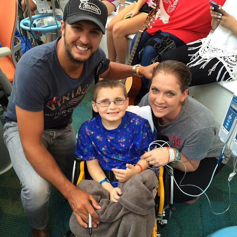 Luke bryan holds sing a long during sweet visit to for How many kids does luke bryan have