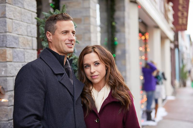 Brendan Penny and Lacey Chabert in Pride, Prejudice, and Mistletoe
