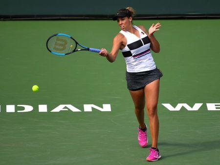 Keys tops Stephens to succeed in semis in Charleston