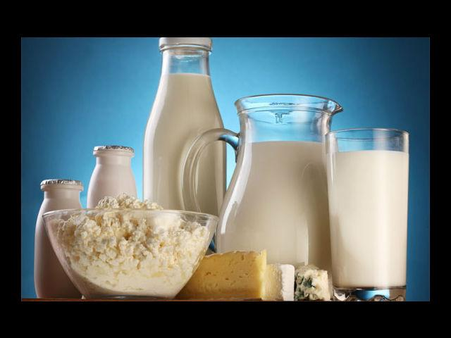<b>Dairy Products</b><br>In the world where every product you consume is either adulterated or processed, even cows are not spared. In order to increase the production of milk they are given certain hormones which when you consume in the form or milk, curd, cottage cheese are transferred to you. Experts believe that these hormones can cause the occurrence of acne.