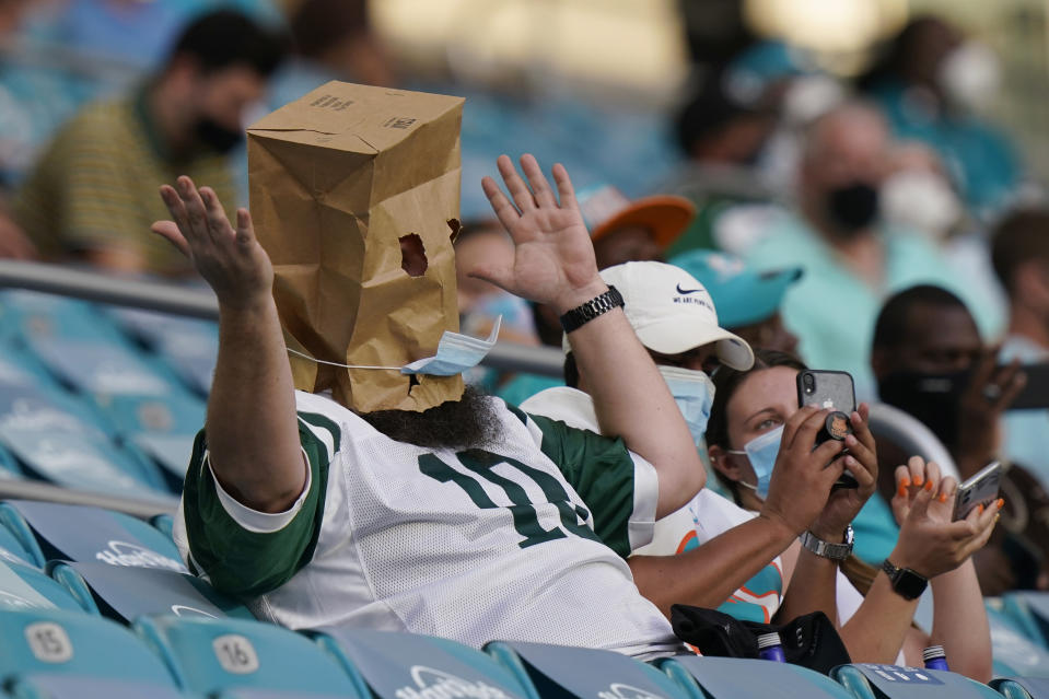 The New York Jets are winless through half of the season. (AP Photo/Lynne Sladky)