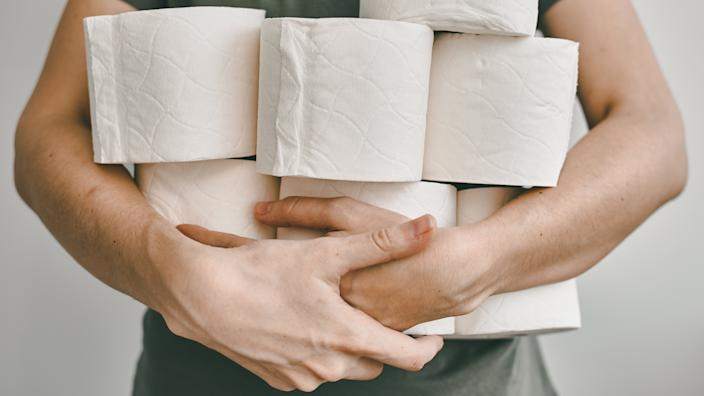 People are stocking up toilet paper for home quarantine from crownavirus.