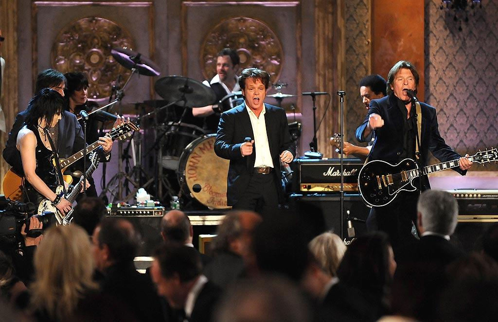 """Joan Jett, John Mellencamp, and John Fogerty deliver rousing renditions of """"Glad All Over"""" and """"Bits and Pieces."""" Dimitrios Kambouris/<a href=""""http://www.wireimage.com"""" target=""""new"""">WireImage.com</a> - March 1, 2008"""