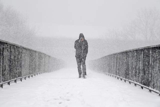 Freezing weather conditions dubbed the 'Beast from the East' bring snow and sub-zero temperatures to the UK. Amber warnings are in place in northern England, the East Midlands, London, the east and south-east of England. Scotland's weather warning has been upgraded to red, which means risk to life, widespread damage, travel and power disruption are likely. (Photo by Jeff J Mitchell/Getty Images)