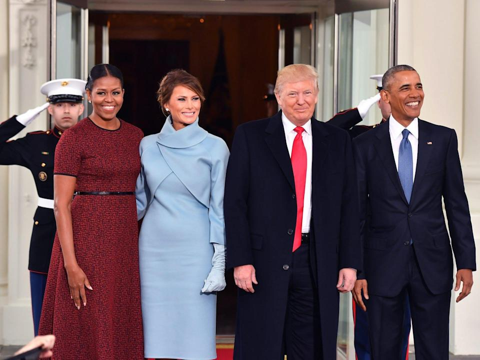 WASHINGTON, DC - JANUARY 20: President Barack Obama (R) and Michelle Obama (L) pose with President-elect Donald Trump and wife Melania at the White House before the inauguration on January 20, 2017 in Washington, D.C. Trump becomes the 45th President of the United States. (Photo by Kevin Dietsch-Pool/Getty Images)