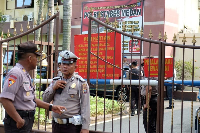Indonesia police link suicide bombing to Islamic State-inspired group