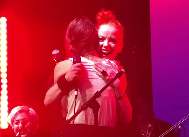 Shirley Manson and Fiona Apple embrace at the 2018 Girlschool in Los Angeles. (Photo: Melissa Geisler)
