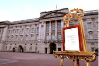 <p>However, the Duke and Duchess of Cambridge chose to announce Prince George's birth via email and Twitter before the easel had been posted—seemingly breaking tradition. </p>