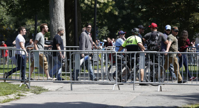 """<p>Organizers depart a """"Free Speech"""" rally staged by conservative activists on Boston Common, Saturday, Aug. 19, 2017, in Boston. One of the planned speakers of a conservative activist rally that appeared to end shortly after it began says the event """"fell apart.""""(Photo: Michael Dwyer/AP) </p>"""