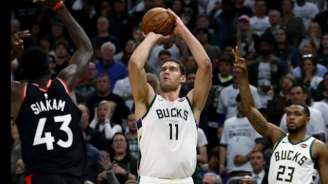 Brook Lopez helped the Milwaukee Bucks overcome the Toronto Raptors in Game 1.