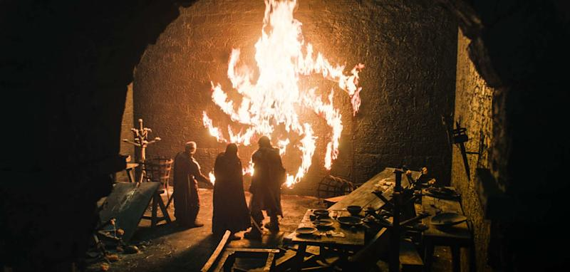 A Horrifying New Spiral Appeared on Game of Thrones . What Are the White Walkers Trying to Tell Us?