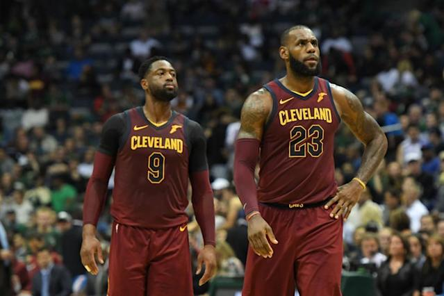 """<a class=""""link rapid-noclick-resp"""" href=""""/nba/players/3708/"""" data-ylk=""""slk:Dwyane Wade"""">Dwyane Wade</a> and <a class=""""link rapid-noclick-resp"""" href=""""/nba/players/3704/"""" data-ylk=""""slk:LeBron James"""">LeBron James</a> are on the case in the mystery of David Fizdale's firing. (Getty)"""