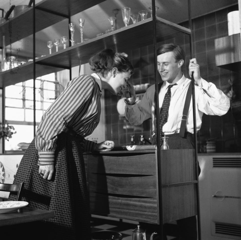 The English designer and businessman, Sir Terence Conran, with his first wife Shirley, the fashion editor and author, 1955. (Photo by © Hulton-Deutsch Collection/CORBIS/Corbis via Getty Images)