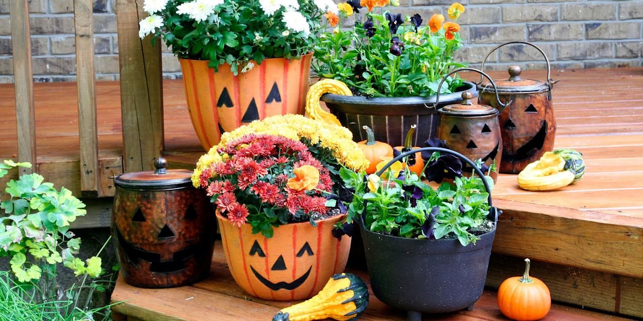 "<p>Between trick-or-treaters and friendly neighbors, <a rel=""nofollow"" href=""https://www.countryliving.com/shopping/a22664319/best-home-depot-halloween-decorations-inflatables/"">your house</a> gets plenty of foot traffic during October. With these <a rel=""nofollow"" href=""https://www.countryliving.com/diy-crafts/how-to/g1024/do-it-yourself-halloween-decorations-1010/"">DIY outdoor Halloween decorations</a>, your home will be looking its very best. </p>"
