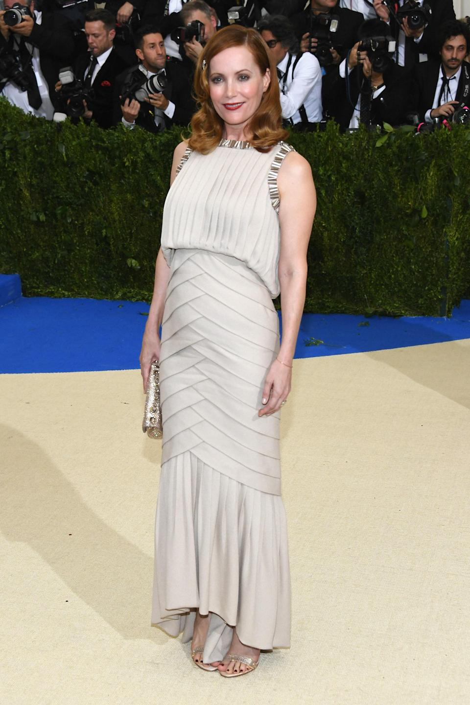 """<h1 class=""""title"""">Leslie Mann in Chanel</h1> <cite class=""""credit"""">Photo: Getty Images</cite>"""