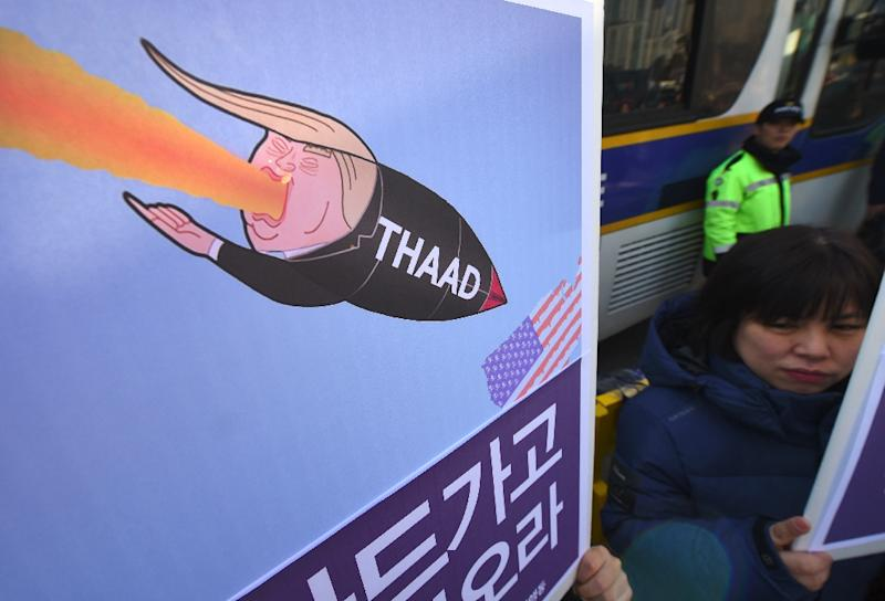 South Korean protesters rally against the planned deployment of the US Terminal High-Altitude Area Defense (THAAD) missile-defence system. in Seoul on February 28, 2017 (AFP Photo/JUNG Yeon-Je)