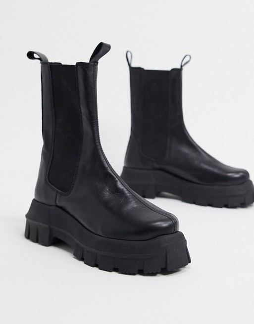 """<h3>Lug Sole</h3><br>With heavy treads that can withstand a variety of terrains and stylish uppers that you'll reach for every day, this workwear-inspired boot embodies the marriage of fashion and function.<br><br><strong>ASOS DESIGN</strong> Aqum Chunky Chelsea Boots, $, available at <a href=""""https://go.skimresources.com/?id=30283X879131&url=https%3A%2F%2Fwww.asos.com%2Fus%2Fasos-design%2Fasos-design-aqum-premium-leather-chunky-chelsea-boots-in-black%2Fprd%2F14946104"""" rel=""""nofollow noopener"""" target=""""_blank"""" data-ylk=""""slk:ASOS"""" class=""""link rapid-noclick-resp"""">ASOS</a>"""