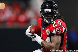 Graham Barfield checks in on Devonta Freeman, the Broncos' QB situation and Greg Olsen in Thursday's Dose