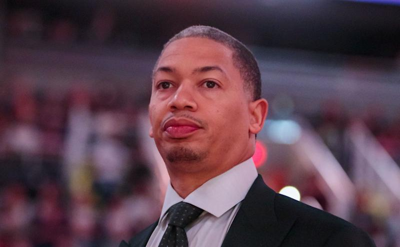 Tyronn Lue interviewing with Sixers on Tuesday