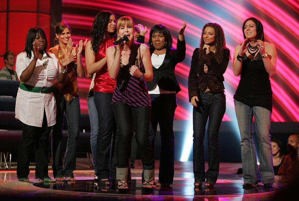 Leslie Hunt sings her farewell song after being eliminated on Season 6 of American Idol.