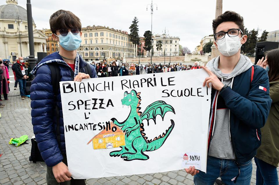 """National demonstration for the reopening of schools in Piazza del Popolo. The protest, organized by the national network """"School in attendance"""", focused on the request to reopen schools by overcoming the taxes imposed by anti-Covid regulations. Rome (Italy), April 10th, 2021 (photo by Marilla Sicilia/Archivio Marilla Sicilia/Mondadori Portfolio via Getty Images) (Photo: Mondadori Portfolio via Getty Images)"""