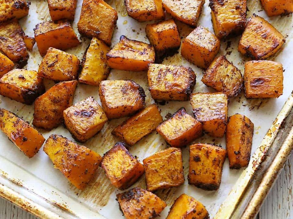 """<p>Roasted pumpkin (or any squash for that matter) is one the easiest and tastiest side dishes for fall. Smoked paprika gives the pumpkin a savory flavor that's delicious when served with chicken or fish. </p><p><strong>Get the recipe at <a href=""""https://healthyrecipesblogs.com/baked-pumpkin/"""" rel=""""nofollow noopener"""" target=""""_blank"""" data-ylk=""""slk:Healthy Recipes Blog"""" class=""""link rapid-noclick-resp"""">Healthy Recipes Blog</a>. </strong></p><p><a class=""""link rapid-noclick-resp"""" href=""""https://go.redirectingat.com?id=74968X1596630&url=https%3A%2F%2Fwww.walmart.com%2Fsearch%2F%3Fquery%3Dpioneer%2Bwoman%2Bchefs%2Bknives&sref=https%3A%2F%2Fwww.thepioneerwoman.com%2Ffood-cooking%2Fmeals-menus%2Fg37022645%2Fhealthy-pumpkin-recipes%2F"""" rel=""""nofollow noopener"""" target=""""_blank"""" data-ylk=""""slk:SHOP CHEF'S KNIVES"""">SHOP CHEF'S KNIVES</a></p>"""
