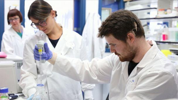 PHOTO: Liam McMulkin works in a lab at the University of Dundee. (University of Dundee)
