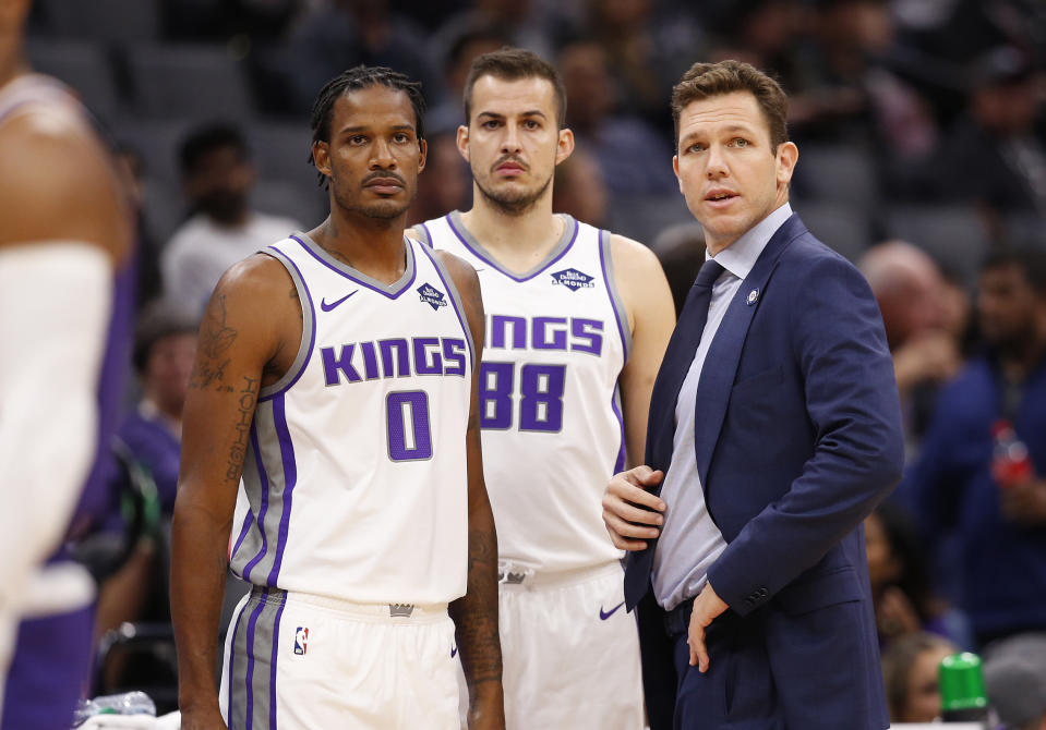 Luke Walton, right, and Trevor Ariza, left are expected to participate in a basketball game at a California prison. (AP Photo/Rich Pedroncelli)