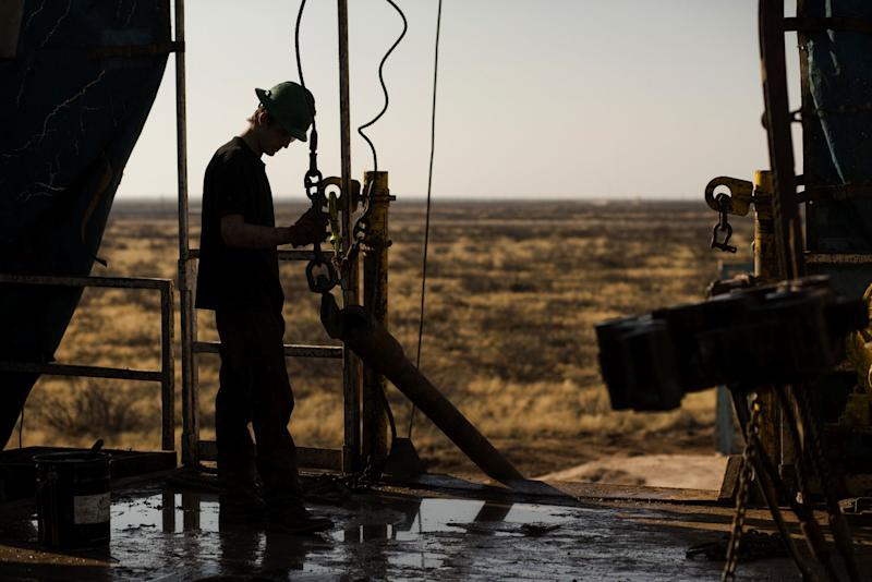 Shale Drillers Signal Bleak 2020 While Trump Champions Oil Patch