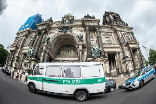 Berlin Cathedral was cordoned off by police after a knife-wielding man was shot inside