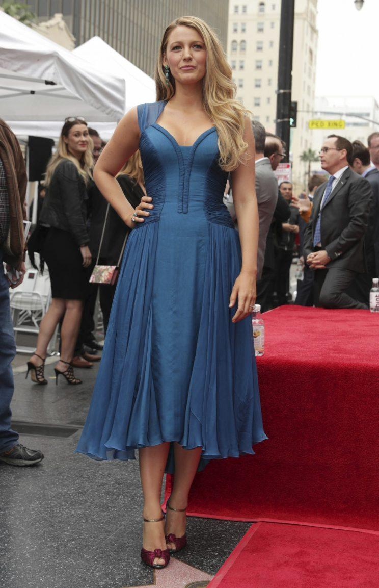 Blake Lively Shows Off Her Beautiful Babies in Cool Blue Dress [Video]